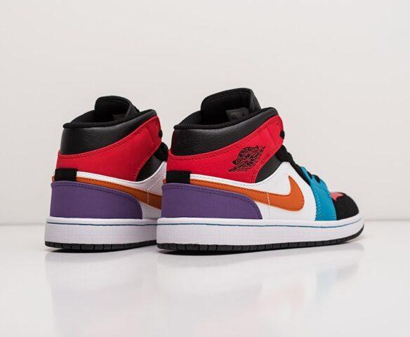 Nike Air Jordan 1. Вид 3
