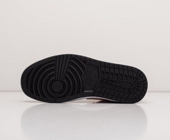 Nike Air Jordan 1. Вид 4