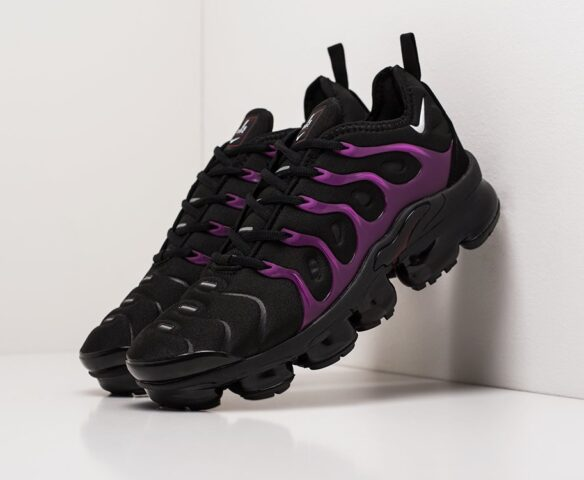 Nike Air VaporMax Plus black. Вид 1