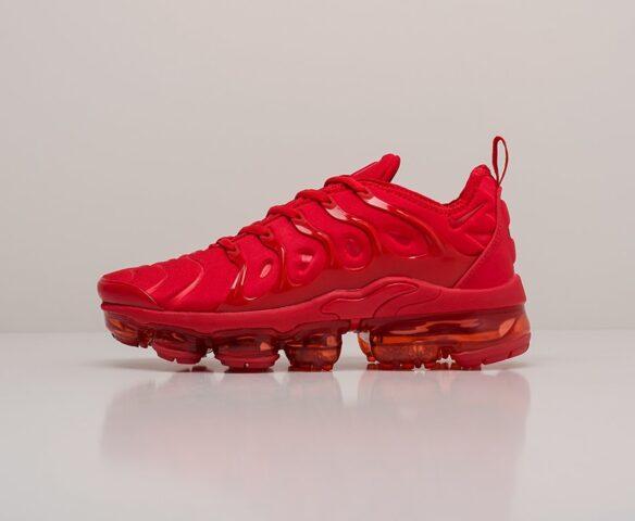 Nike Air VaporMax Plus красные. Вид 2