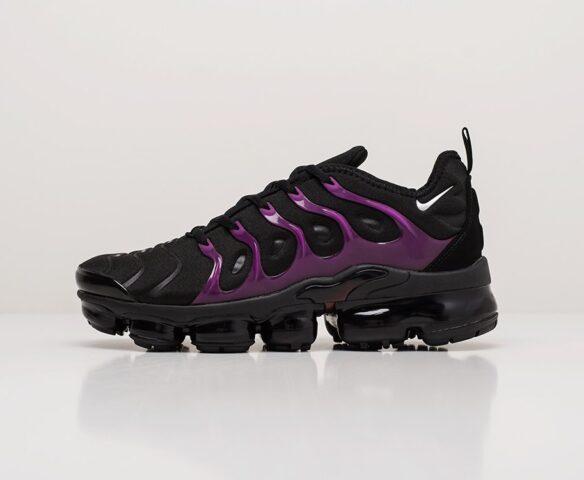 Nike Air VaporMax Plus black. Вид 2