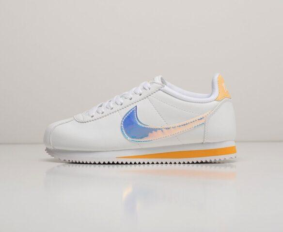 Nike Classic Cortez белый. Вид 2