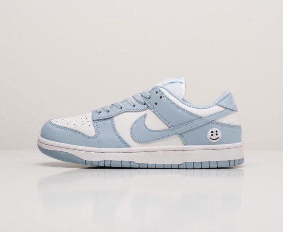 Nike SB Dunk Low голубые. Вид 2