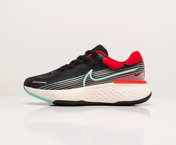 Nike ZoomX Invincible Run Flyknit. Вид 2
